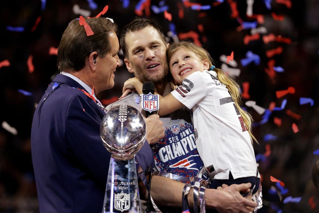 Aptopix Patriots Rams Super Bowl Football